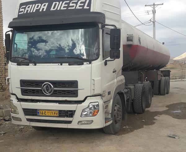 کامیون دانگ فنگ با پذیرش پالایشگاه