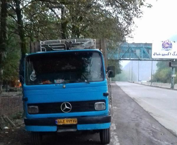 کامیون 813